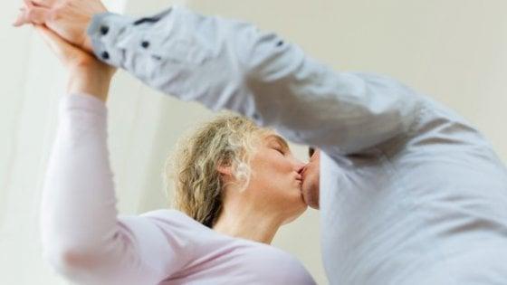 Fare l'amore allontana la menopausa